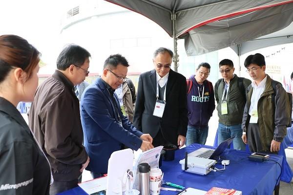 吳騰彥總經理呈現感測技術