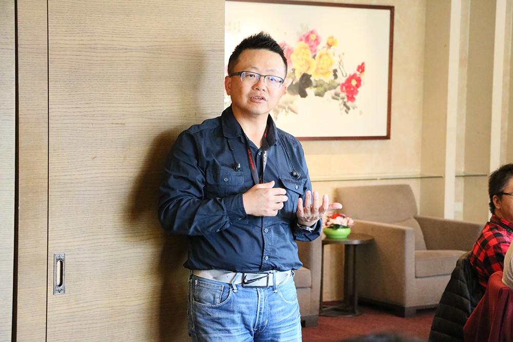 圖為微程式總經理吳騰彥