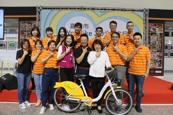 微程式與微笑單車團隊大合影