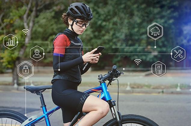 微程式的整合APP可以讓車友透過手機觀察騎車時的各項數據及其他雲端服務
